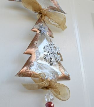 Altered_Acrylic_Sun_Catcher_Christmas_Ornament_Pinky_Hobbs_Clear_Scraps6