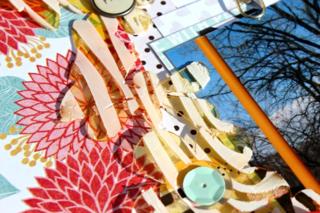 Clear_Scraps_Garden_Acrylic_Border_layout2