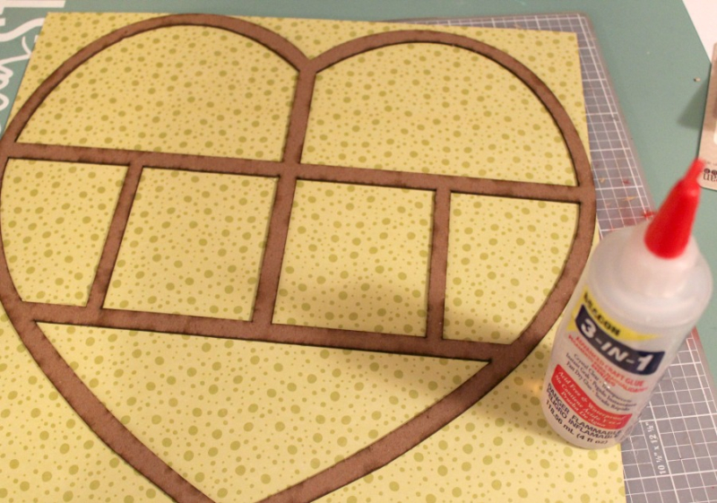 Clear_Scraps_Heart_Printer_Tray_Frame3