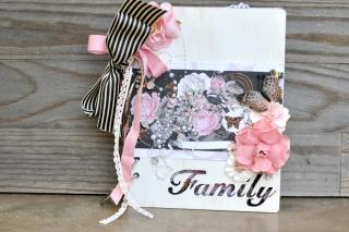 Family_minialbum_nancy keslin_clearscraps