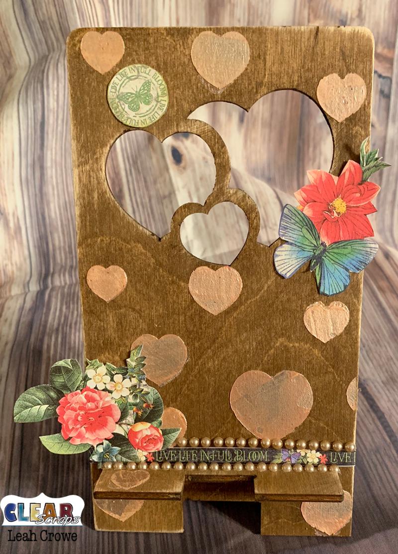 HeartsPhoneStand2_2019Jan_LeahCrowe