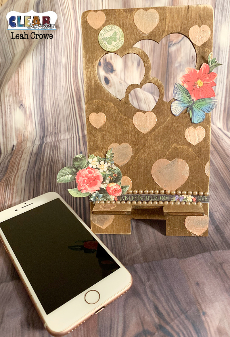 HeartsPhoneStand_2019Jan_LeahCrowe