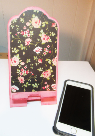 Floral-phone-stand-clearscraps-2-steph-ackerman