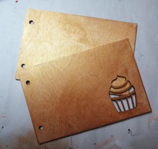 Cupcake-card-clearscraps-steph-ackerman