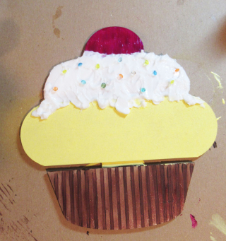 Cupcake-clearscraps-4-steph-ackerman