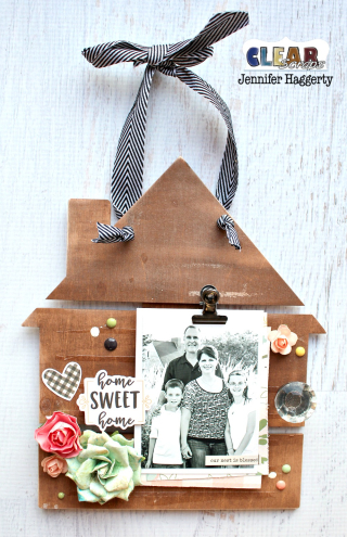 Clear_Scraps_House_Medium_DIY_Pallet