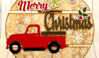 Clear_Scraps_DIY%20Pallet%20Ornament_Truckload%20of%20Merry%20close%20up%201