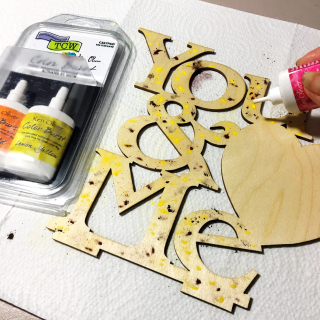 Clear_scraps_wood_word_frame_color