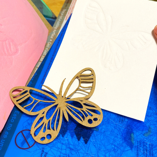 Clear_scraps_chipboard_embellishment_butterfly_card_emboss_technique_tamisanders_diecutz