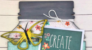 Clear_Scraps_DIY Medium Pallet_Create a Beautiful Life close up 1