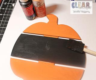 Clear_Scraps_Boo_Pumpkin_DIY_Pallet2