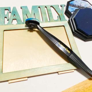 Clear_scraps_wood_family_desktop_frame_tsanders_ink1