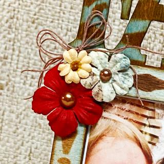 Clear_scraps_wood_family_desktop_frame_tsanders_flowers