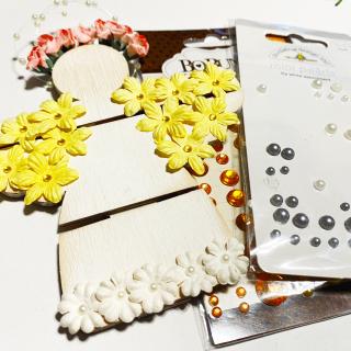 Clear_scraps_garden_angel_wood_mini_pallet_tsanders_pearls