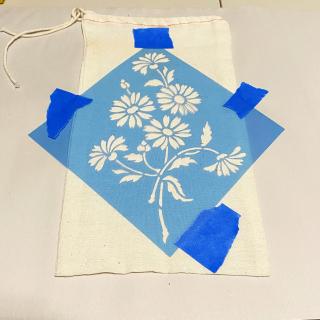 Clear_scraps_stencil_flowers_ink_canvas_bag_tsanders_mask