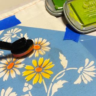Clear_scraps_stencil_flowers_ink_canvas_bag_tsanders_fill