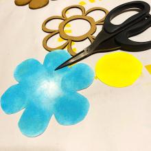 Clear_scraps_flower_shaker_card_stencil_thanks_cut