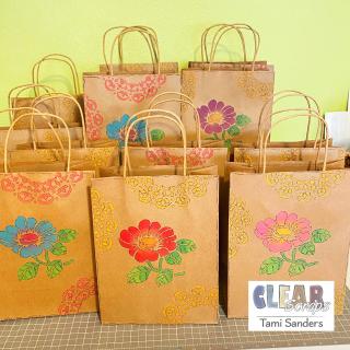 Clear_scraps_zinnia_doily_mat_stencil_gift_bag_ckc_ck_san_marcos_tami_sanders - 1